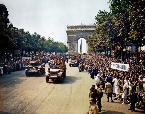 2e Division Blindee - Champs Elysee - Paris - France - August 26, 1944 - Second World War - France - Chansons de soldats - Soldiers songs and military marches